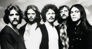 Eagles-Hotel-California-05